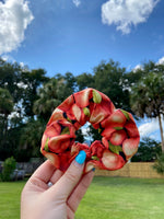 Load image into Gallery viewer, Peach Scrunchie