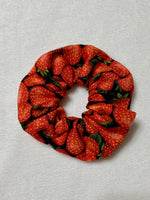 Load image into Gallery viewer, Strawberry Scrunchie