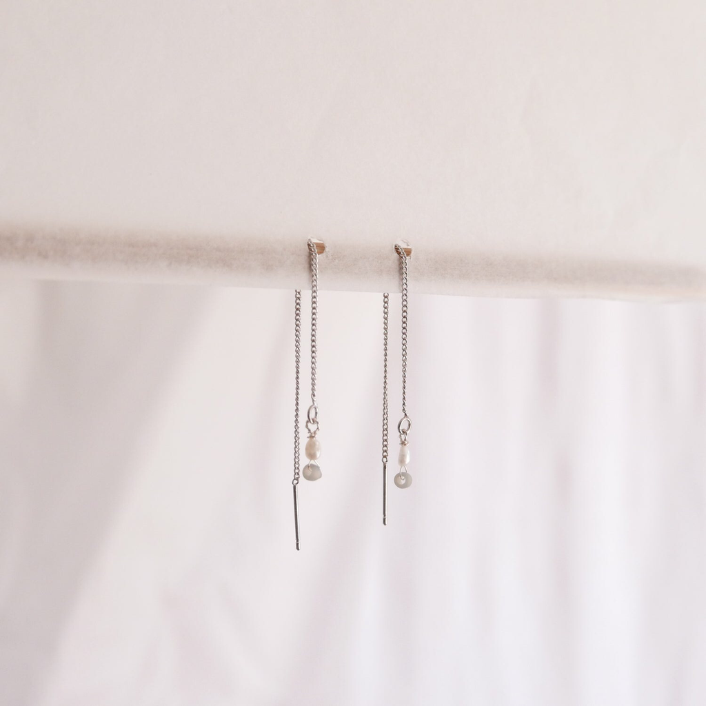 Thread Earrings - Freshwater pearl (silver)