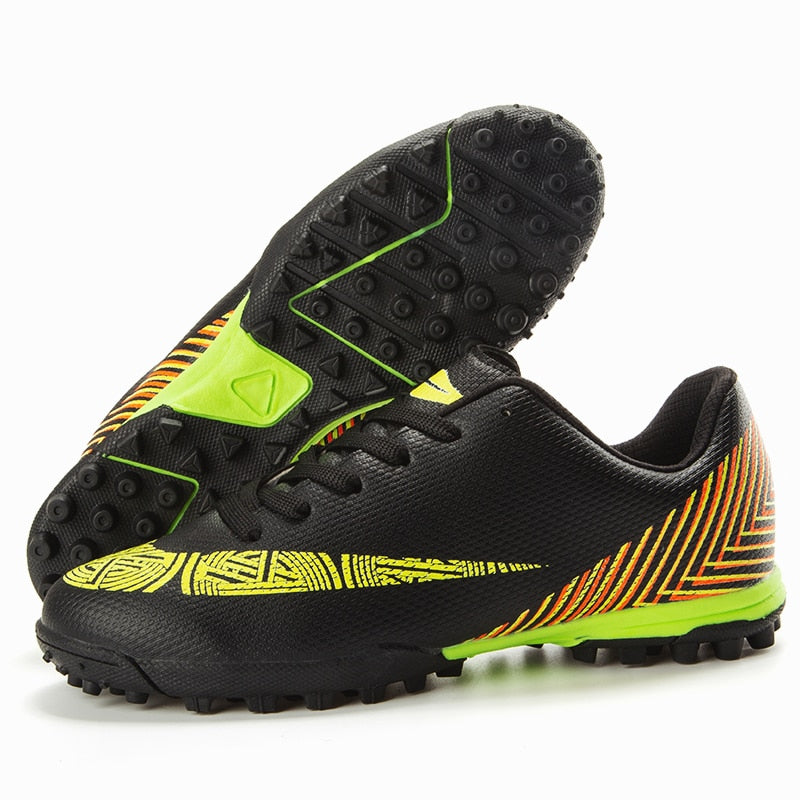2020 New Boys Soccer Cleats Shoes Boys High Ankle Football Boots Indoor Turf Soccer Shoes Boys Kids Training Futsal Sneakers