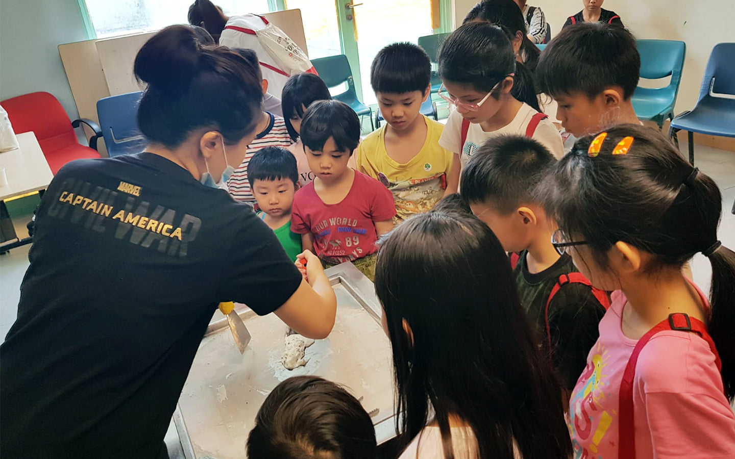 Happy Rollies provides engaging ice cream making workshop for all groups and ages.