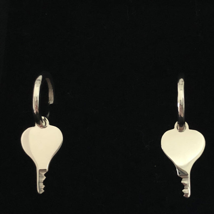 chastity-shop Heart shaped silver earrings