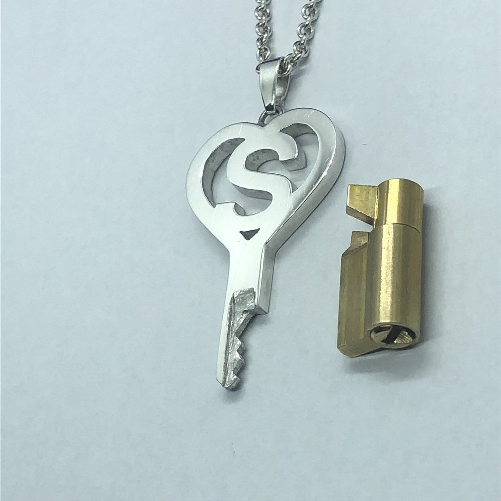 chastity-shop Keys with cylinder lock The Alphabet Heart key with cylinder lock