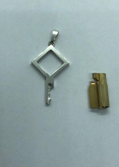 chastity-shop Keys with cylinder lock The Square