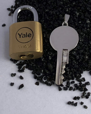chastity-shop Keys with padlock The Mirror with padlock