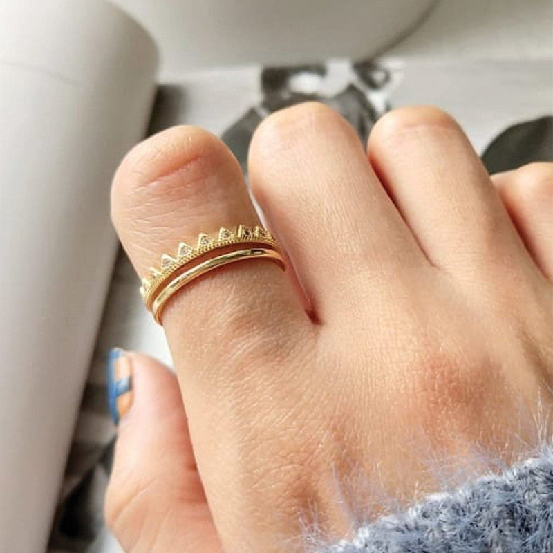 14K Dainty Gold Crown Ring, EB42 Rings i_did
