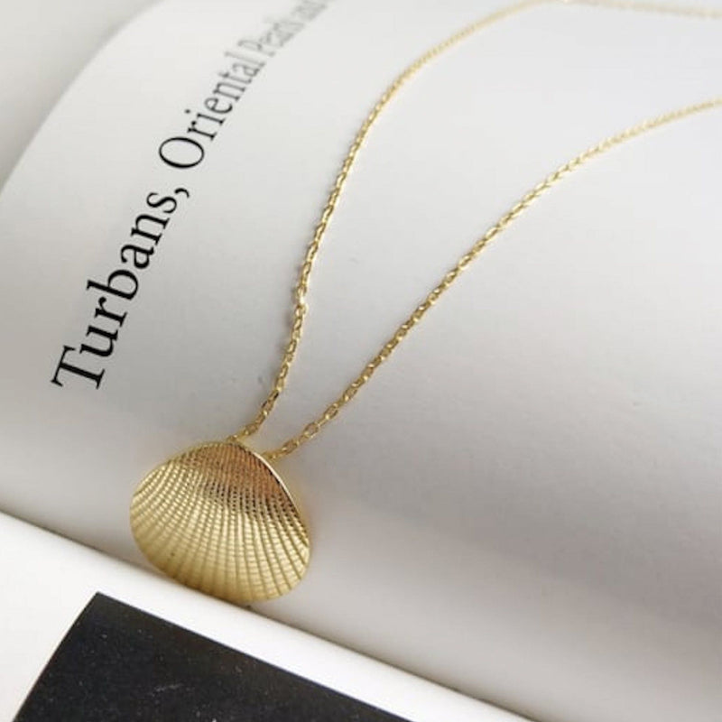Dainty 18K Gold Shell Clam Necklace, EB85 Necklaces Elk & Bloom