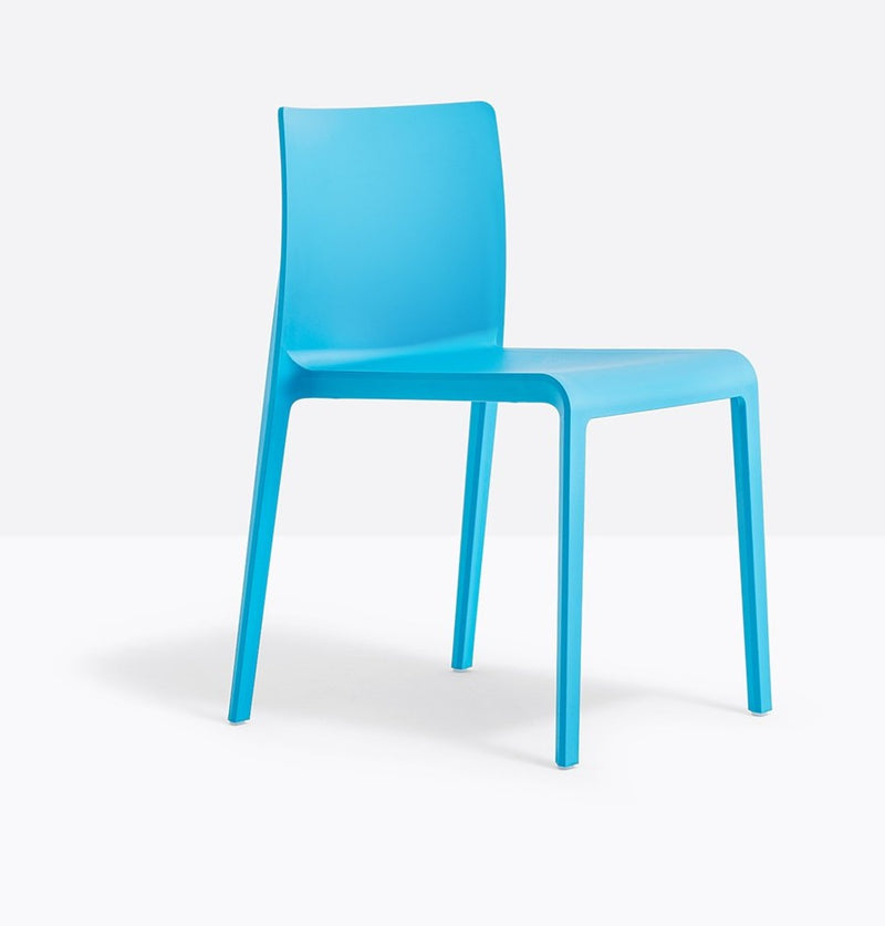 BLUE PLASTIC CHAIR STACKABLE