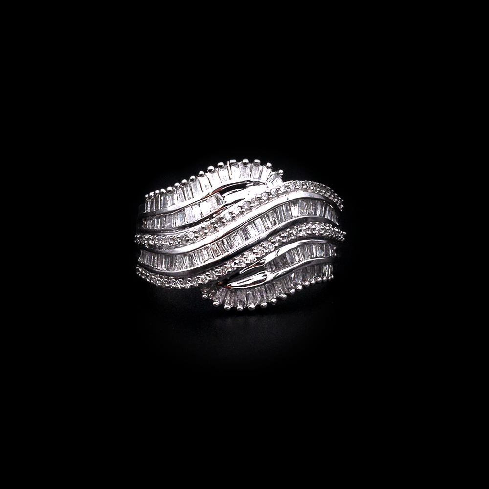 Load image into Gallery viewer, Wavy Diamond Ring