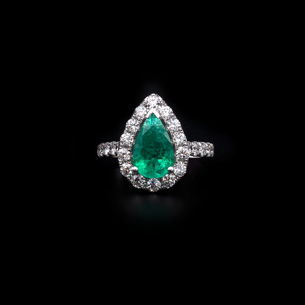 Load image into Gallery viewer, Emerald Pear Shape Ring