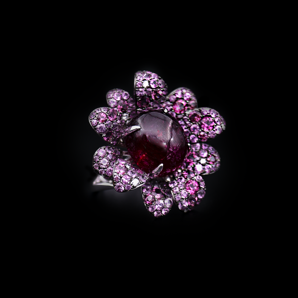 Load image into Gallery viewer, Flower Garnet Ring