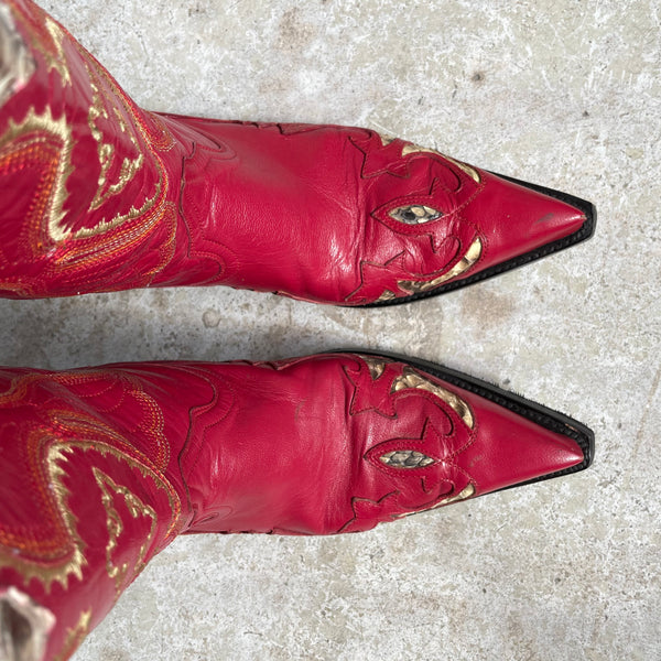 Red Cowgirl 39