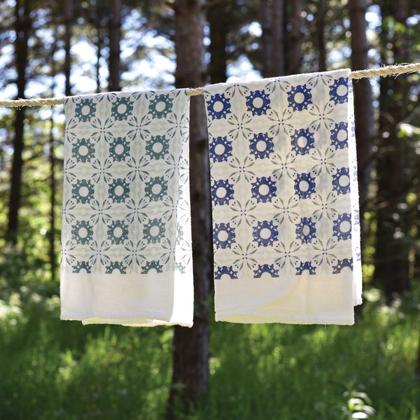 Winter Chicory Towels : Set of 2