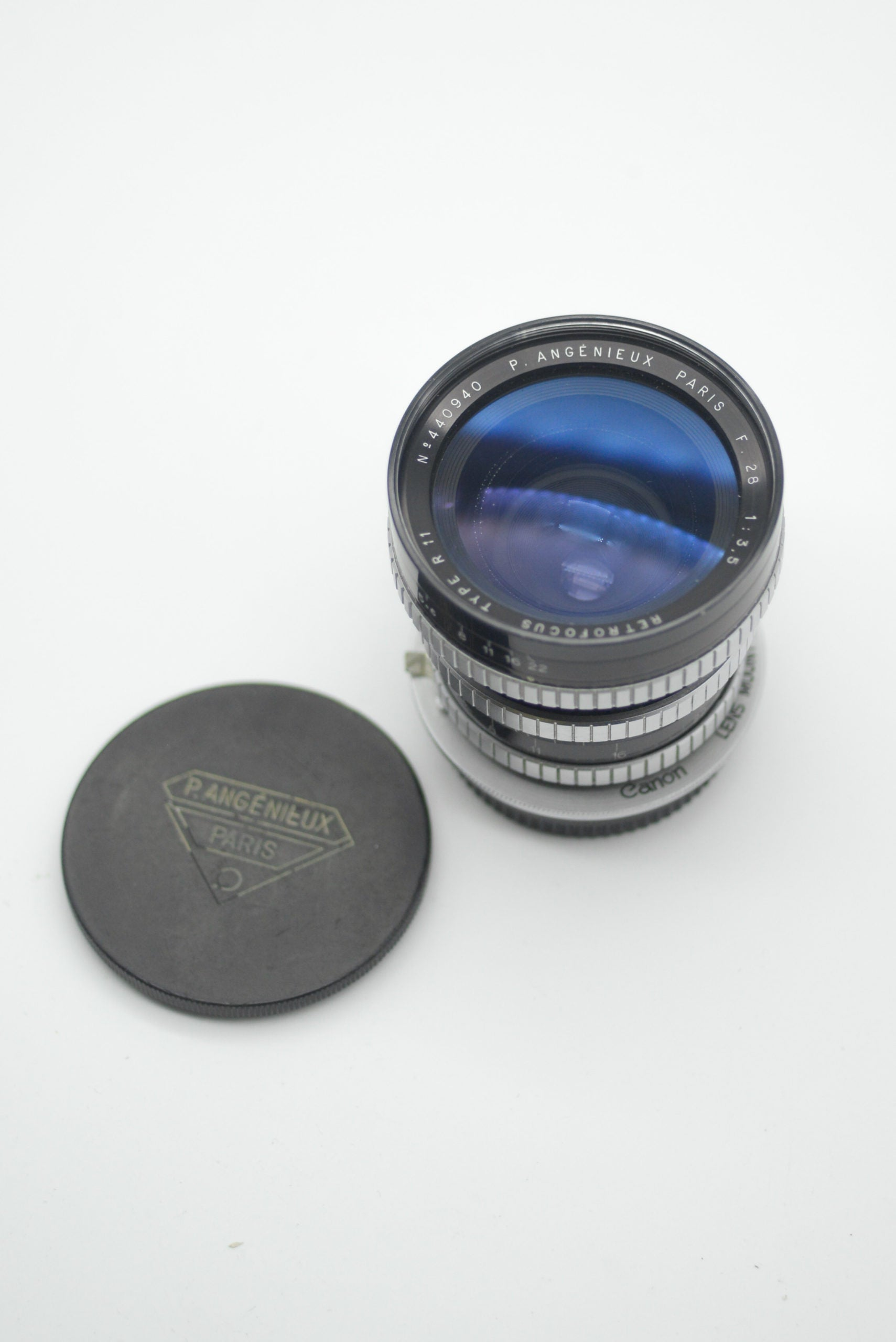 The OG wide angle lens: P. Angénieux 28mm f3.5 Retrofocus Type R11 review