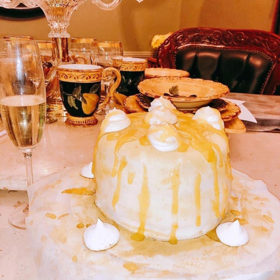 "Celebrate the Lovers ""Champagne Cake"""