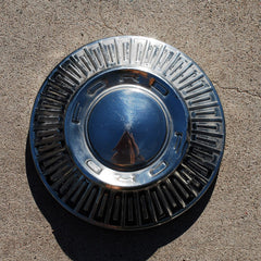 Ford Fairlane Galaxie hubcap 66 67 68