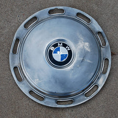 "BMW Series 5 14"" hubcap 1972 only"