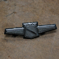 Chrysler Newport 71 1971 grille emblem medallion