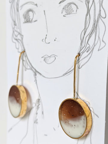 Brass Brown and White Resin Circle Earrings