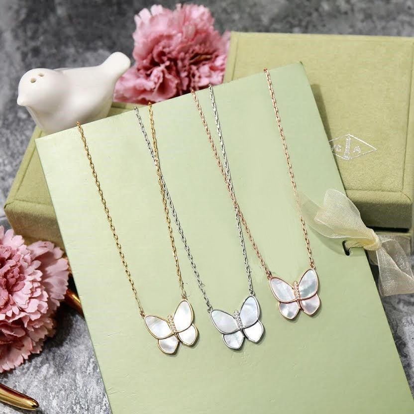 GOLD SWEET SINGLE CLOVER BUTTERFLY Necklace