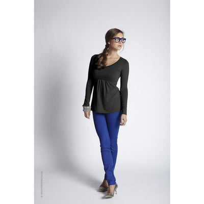 Must Have V-Neck Long Sleeve Tee
