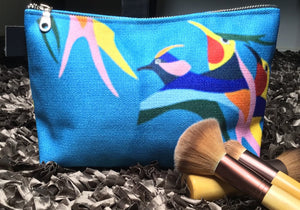 makeup bag, accessories, makeup, made in Canada, canvas, artist inspired, design, inside pockets, tropical, blue, hummingbird