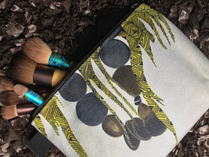 makeup bag, accessories, makeup, made in Canada, canvas, artist inspired, African art design, inside pockets , Afri, Fulani design