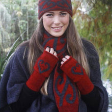 Load image into Gallery viewer, Possum Merino Aroha Scarf - Lothlorian Knitwear