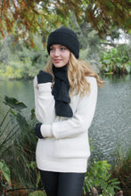 Load image into Gallery viewer, Alpaca Plain Hat - Lothlorian knitwear