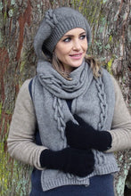 Load image into Gallery viewer, Possum Merino Chain Scarf - Zinity