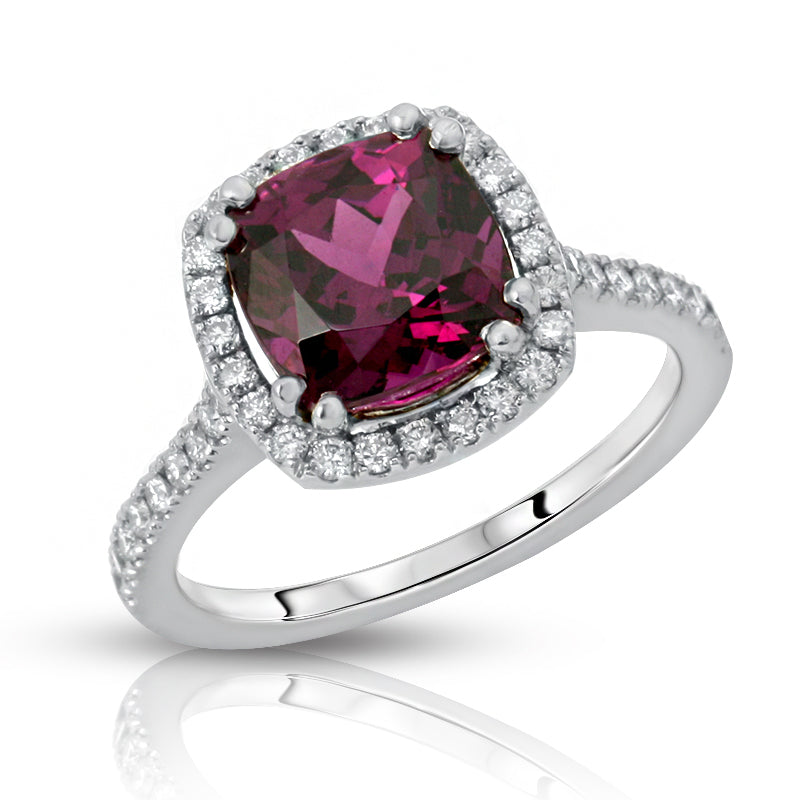 Natural Purple Garnet 3.07 carats set in 18K White Gold Ring with Diamonds