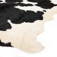 Load image into Gallery viewer, Cowhide Rug (Black & White)