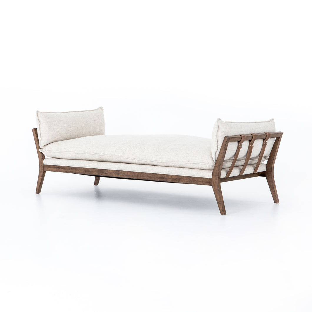 Kyle Chaise (Thames Cream)