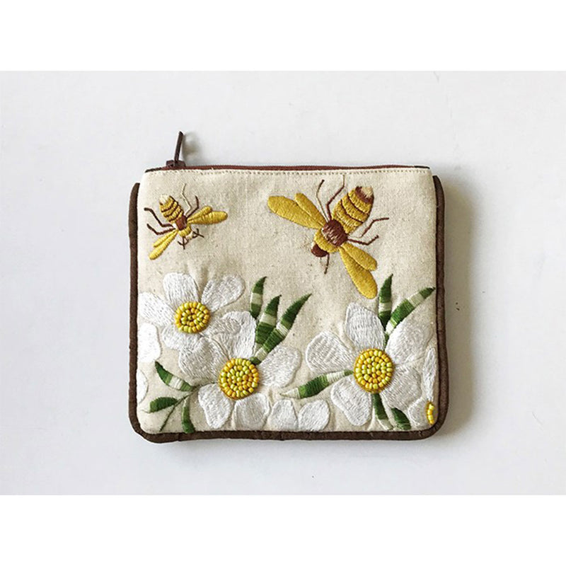 Small Coin Purse Bee on white cotton