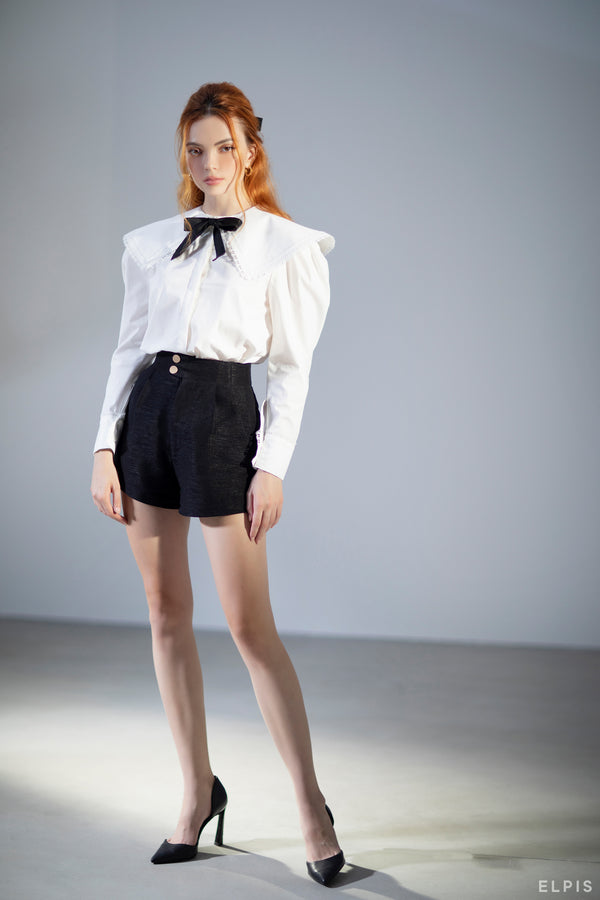 Shorts featuring front button and zip fastening, two side slit pocket | FW20B59