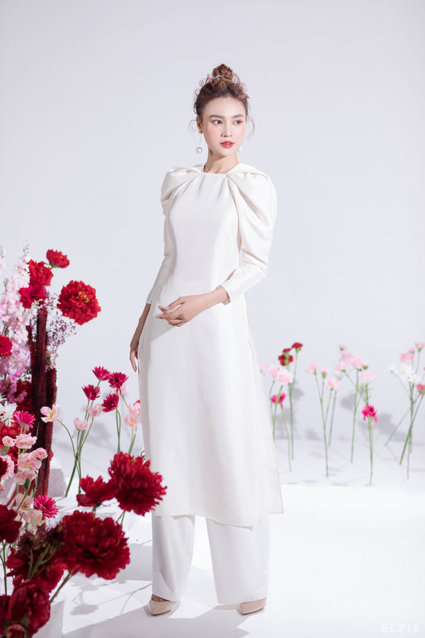 Pants is wearing with Ao Dai featuring wide leg, full length, zipper at back. | CHIEU XUAN