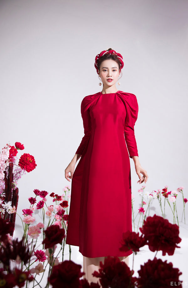 Ao dai featuring raglan crescent sleeves, round neckline | Cat Tuong