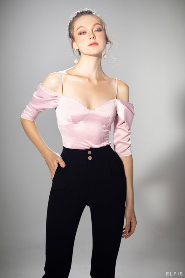 Off-shoulder design top featuring spaghetti straps, sweetheart neck | PF20T79
