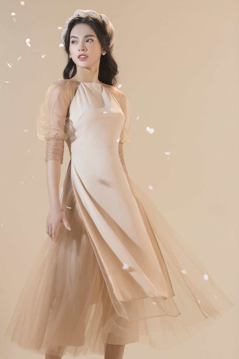 Skirts is wearing with Ao dai featuring layers mesh, pants inside | ANH DUONG