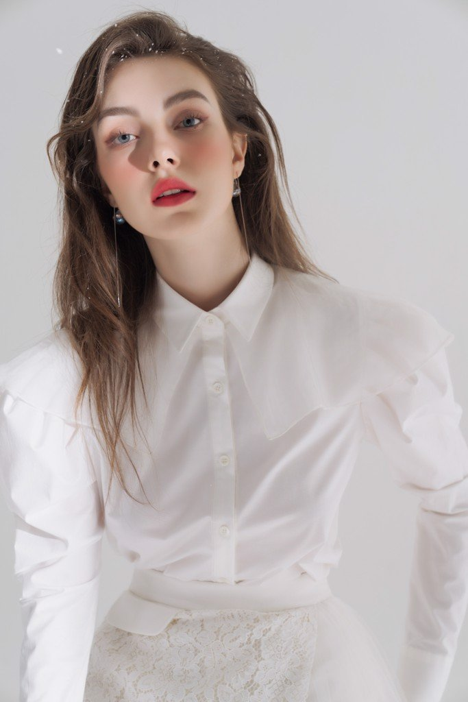 White Ruffled blouse | FW19T02