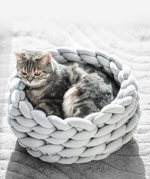 Handmade KnitCave Dog & Cat Bed