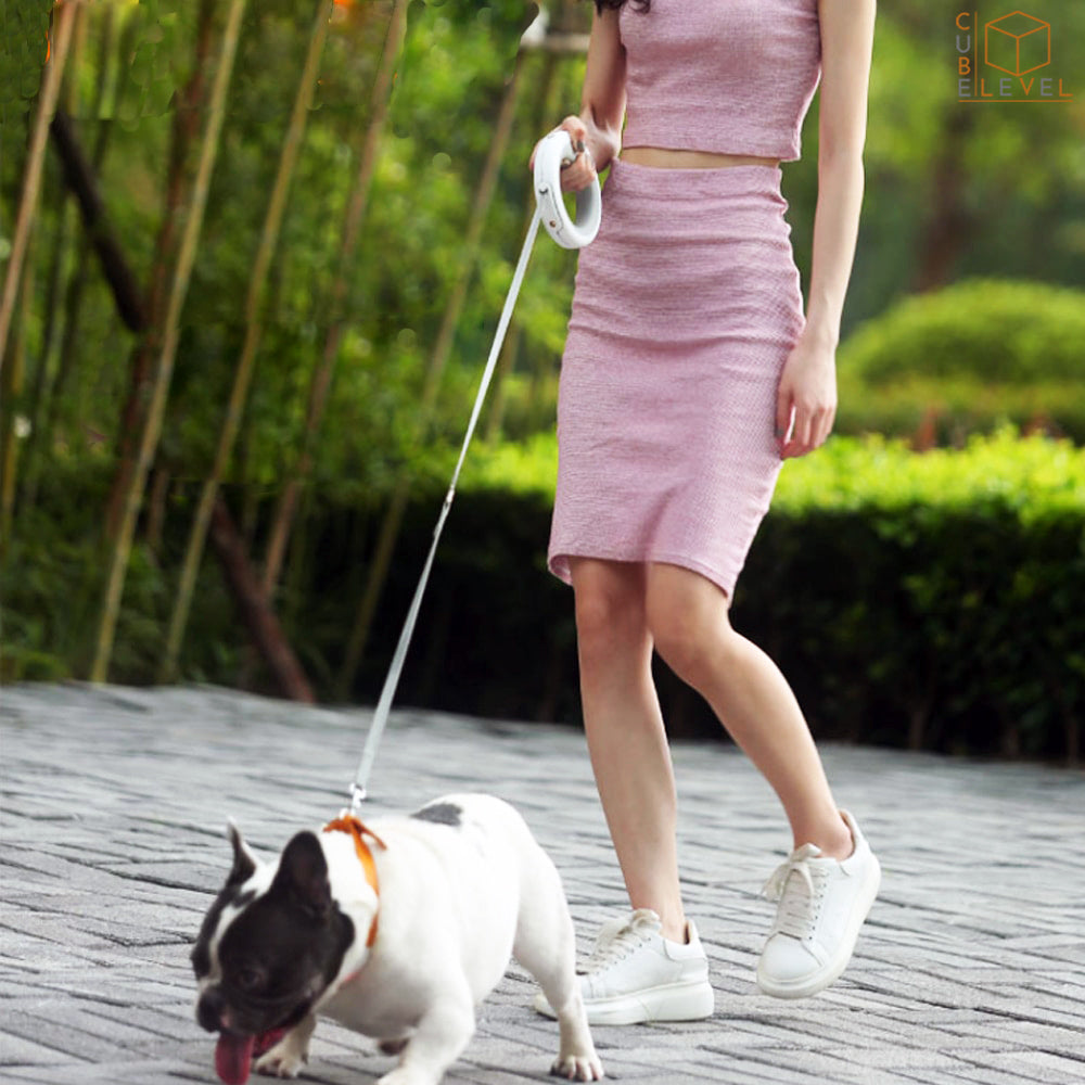 MoeStar™ UFO Retractable Dog Leash Ring LED