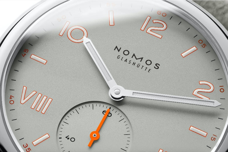 NOMOS Glashütte Club Campus 36 Absolute Gray 712 Detail