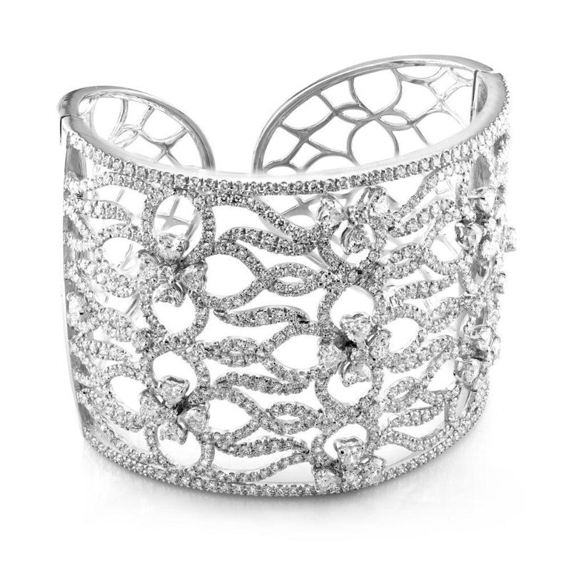 18kt White Gold Brilliant & Heart Diamond Cuff