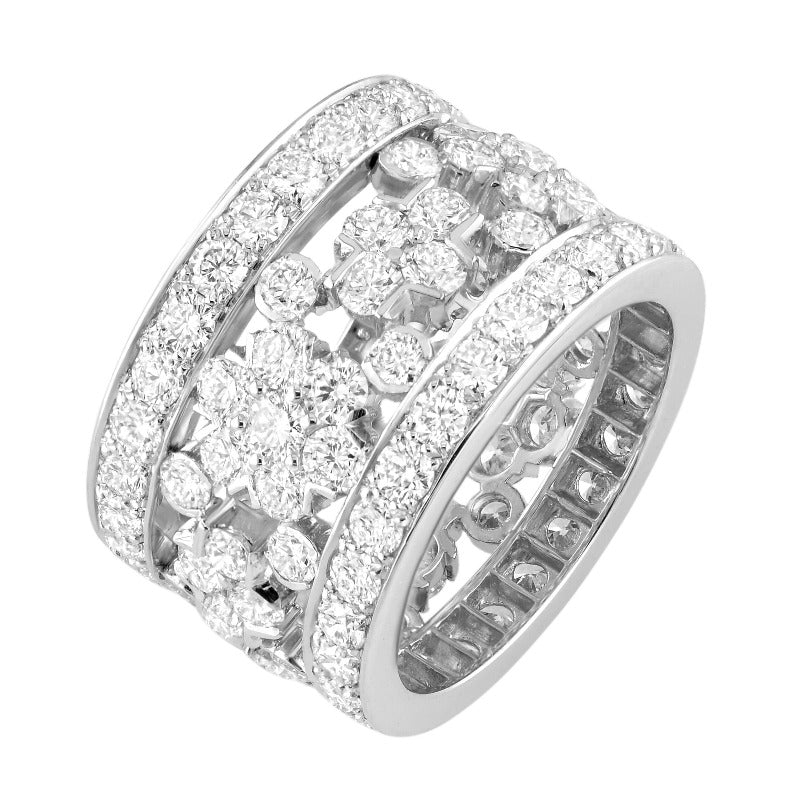 18kt White Gold Snowflake Diamond Band