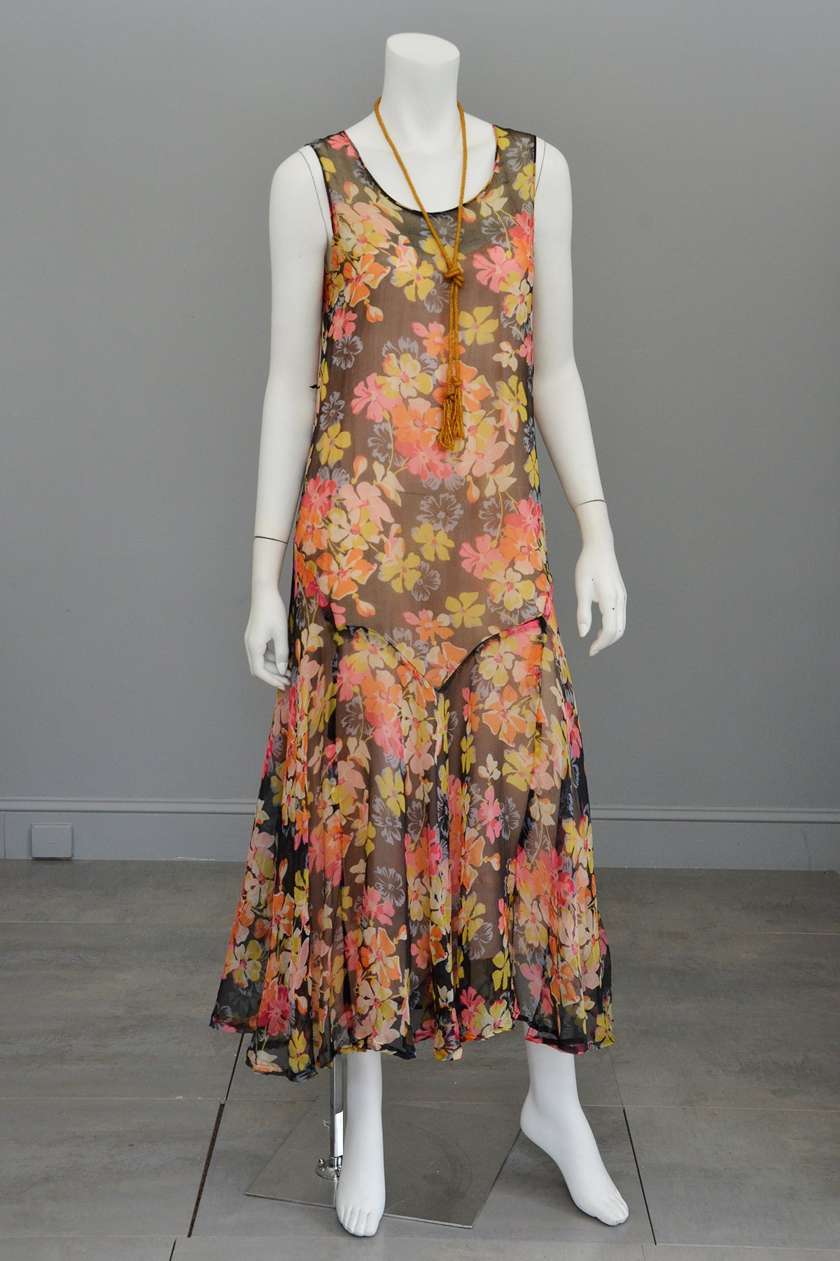 1920s 30s Pink Yellow Floral Print On Charcoal Grey