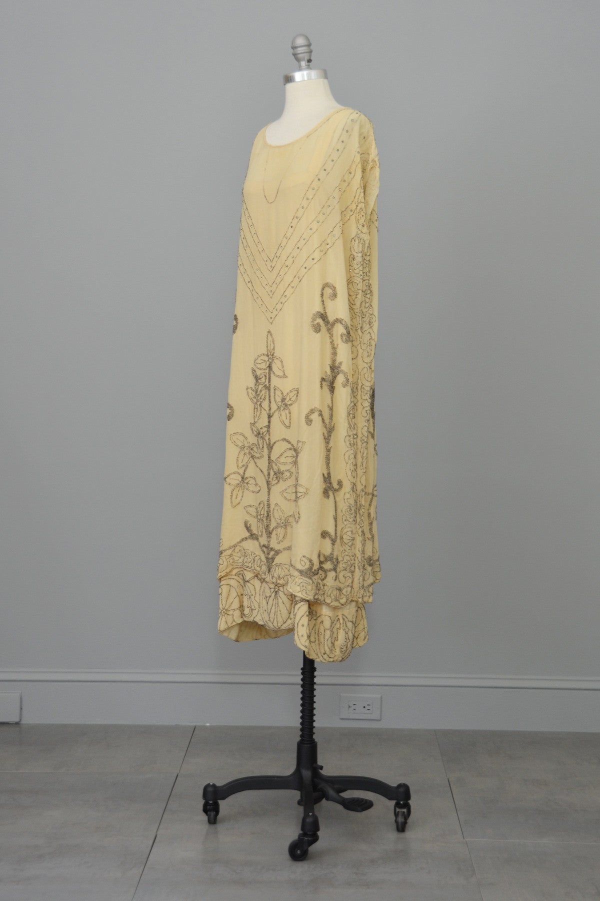 Authentic 1920s Cream Silk Beaded Two Piece Flapper Wedding Dress Tunic