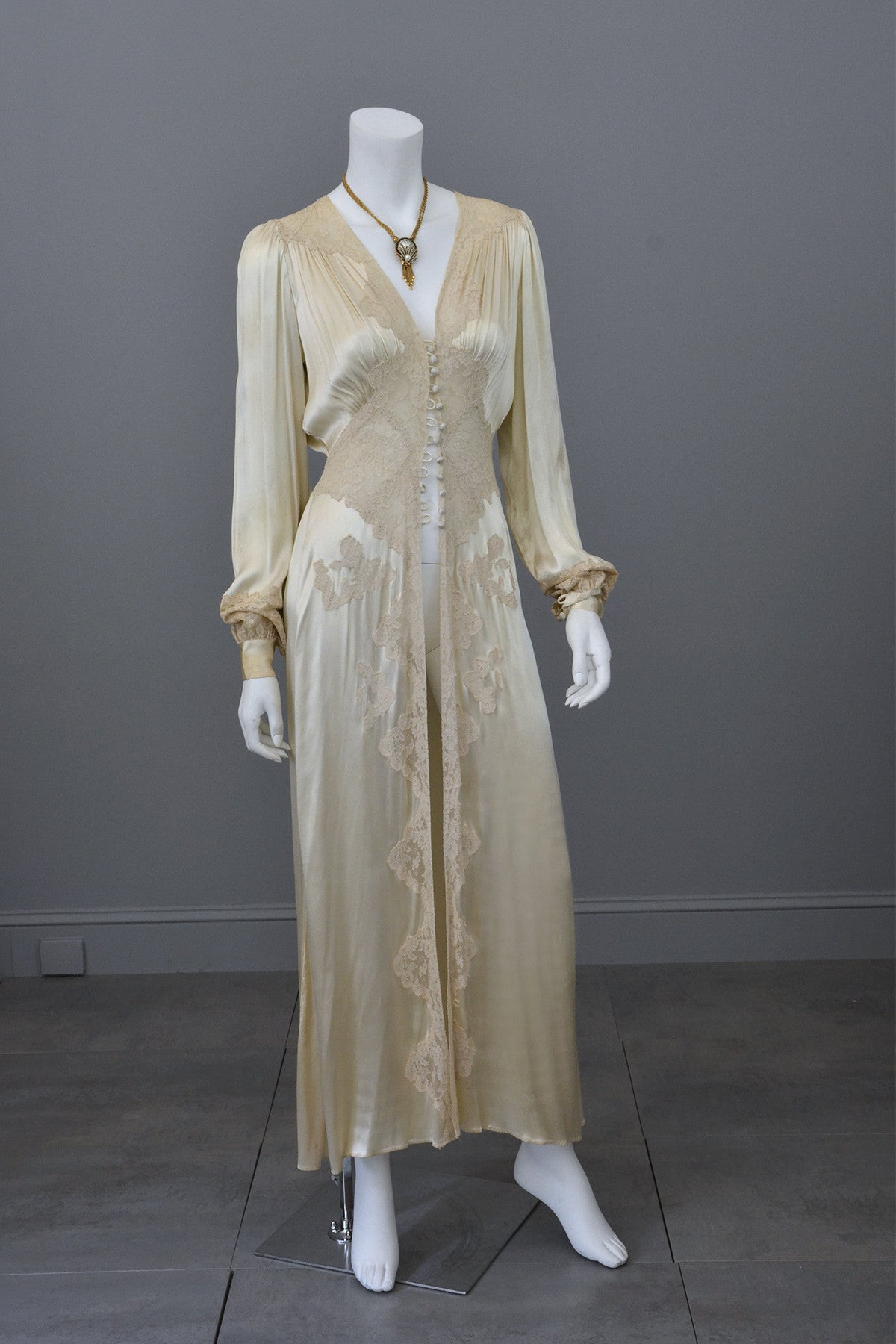 1930s vintage silk and lace robe deco negligee robe With robe 1930