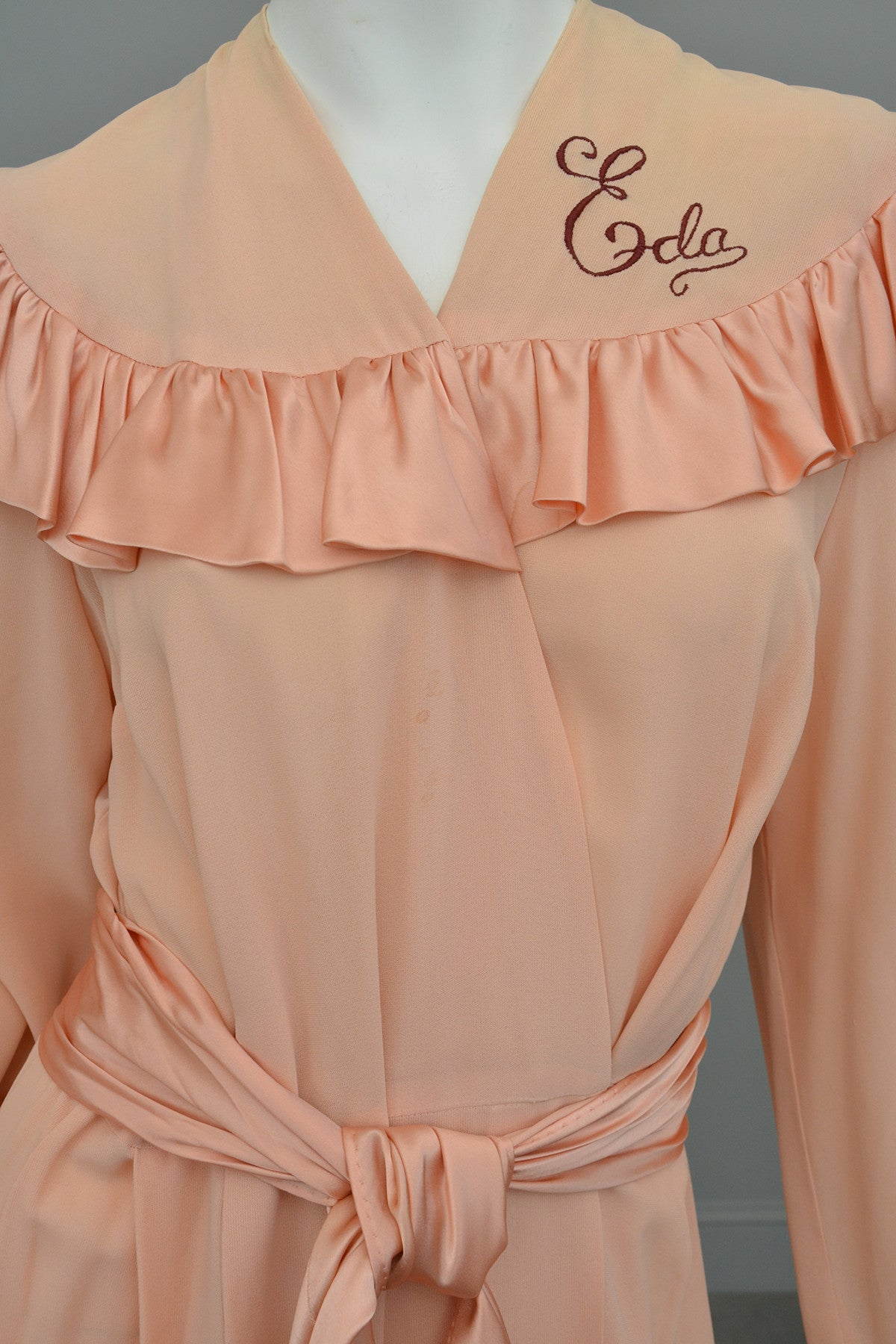 357f709c19 1930s Peach Crepe Satin Rubble Glamorous Robe - Call me Eda ...