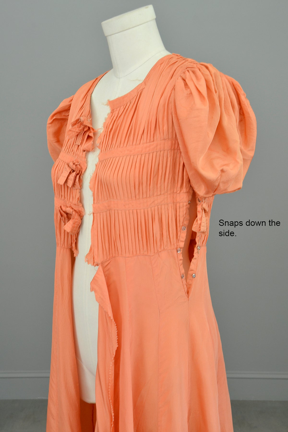 1930s Peach Gown w Pintucking and Bows Unfinished | DIY Project for Study or Finishing